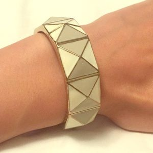 Jewelry - Cream and gold geometric bracelet